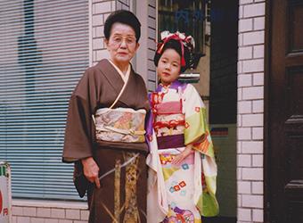 鈴木ひろみの幼少期